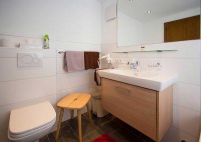 010-Zimmer-5-Badezimmer-1
