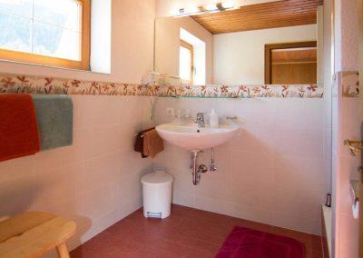 012-Zimmer-7-Badezimmer-1