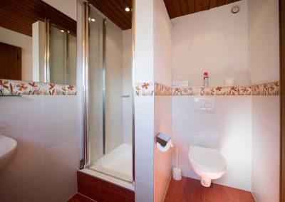 013-Zimmer-7-Badezimmer-1